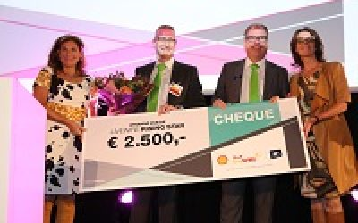 DMS wint Shell live Wire Rising Star Award