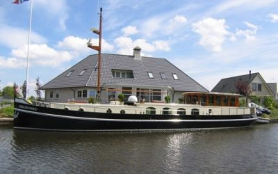 Stentor Luxury Motor Boat being equipped with a MagnusMaster system